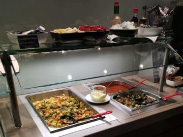 hugo junkers lounge duesseldorf buffet5