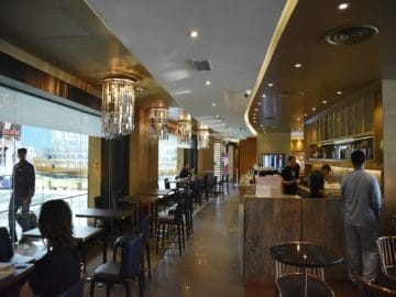 plaza premium lounge kuala lumpur klia1 bar