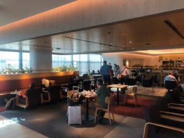 qantas business lounge brisbane blick in die lounge