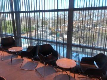 qantas business lounge brisbane tische stuehle