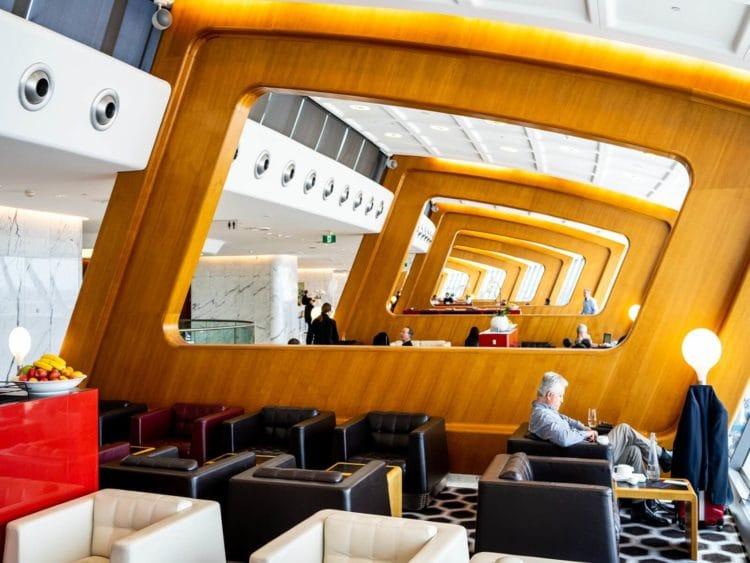 qantas first class lounge sydney hauptbereich der lounge