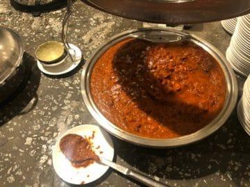 qantas lounge singapore afghan red curry
