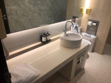 qantas lounge singapore duschkabine