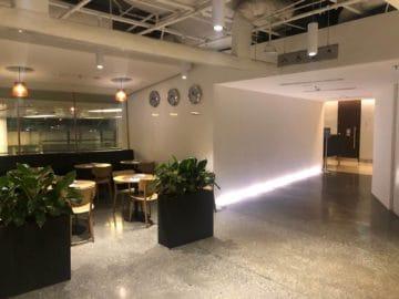 qantas lounge singapore weg zu den duschkabinen