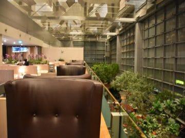 sats premier lounge singapur terminal 3 sitze mit ausblick