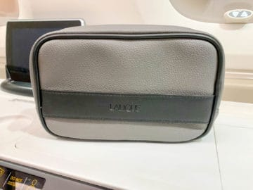 singapore airlines suites class 380 800 amenity kit 1