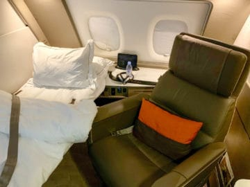 singapore airlines suites class 380 800 bett 4