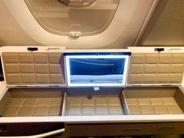 singapore airlines suites class 380 800 staufach 7