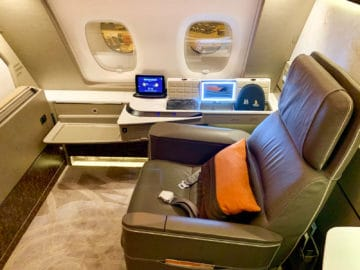 singapore airlines suites class 380 800 suite 1