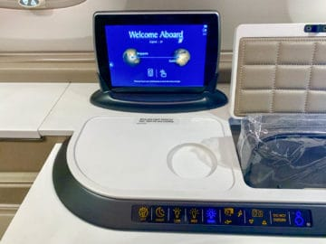 singapore airlines suites class 380 800 tablet suites kontrollen 1