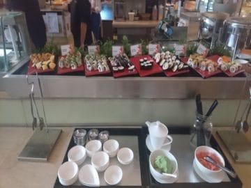 traders hotel kuala lumpur fruehstueck sushi