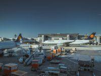 Flughafen Gepaeck Container Lufthansa Unsplash