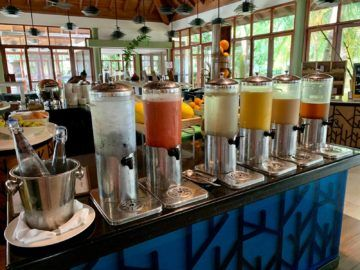 hilton seychelles labriz cafe dauban fruehstueck 4