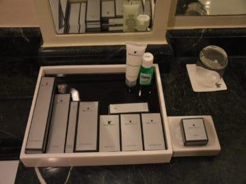 jw marriott surabaya bad amenities