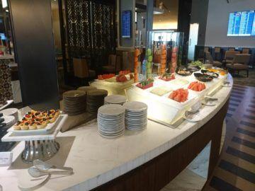 malaysia airlines golden lounge kuala lumpur satellit obst und salate