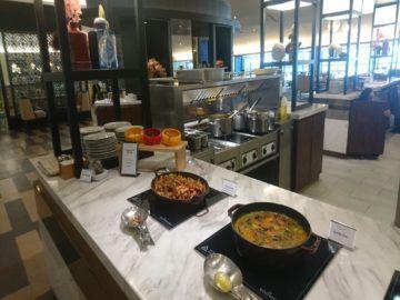 malaysia airlines golden lounge kuala lumpur satellit warme gerichte und suppen