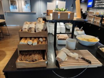 sas business lounge oslo brot