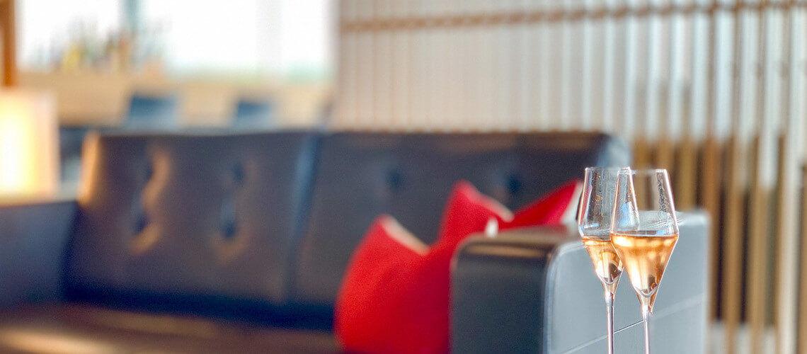 slider swiss first class lounge zuerich champagner