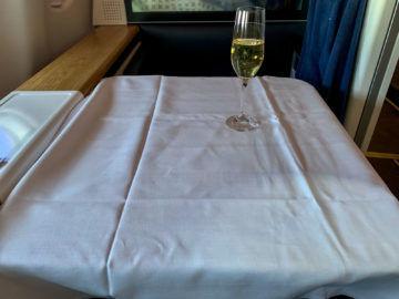 swiss first class a340 300 mittagessen 1
