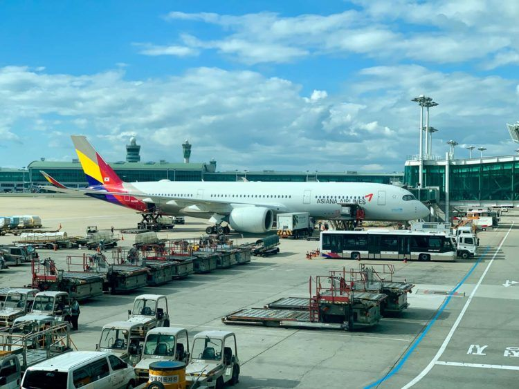 Asiana A350 900 Seoul Incheon Gate 1