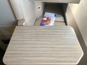 asiana business class a350 900 tisch 2