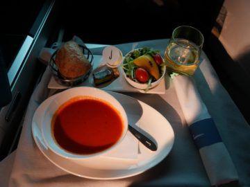 british airways business class a350 1000 tomatensuppe vorspeise