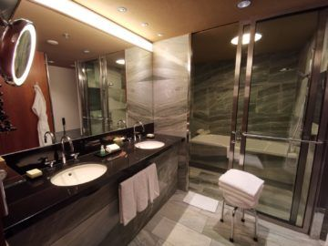 grand hyatt berlin grand king suite badezimmer1