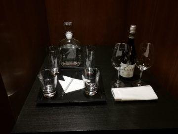 grand hyatt berlin grand king suite bar