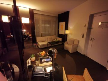 grand hyatt berlin grand king suite wohnzimmer1