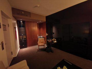 grand hyatt berlin grand king suite wohnzimmer2