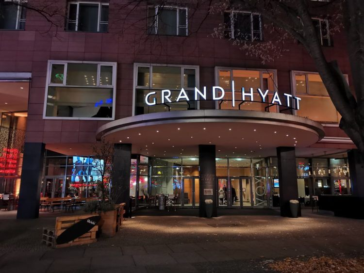 grand hyatt berlin zweiteingang