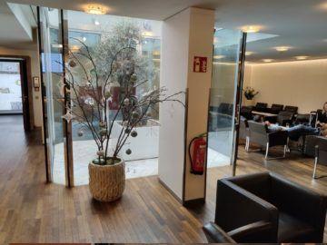 Jet Lounge Wien Eingang Deko
