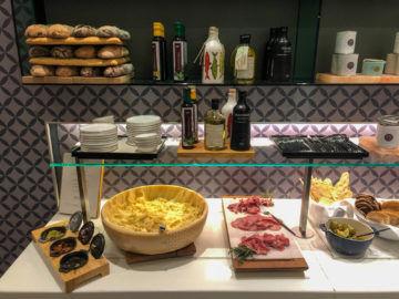 Lufthansa Senator Cafe Muenchen Fruehstuecksbuffet