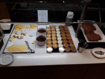 Lufthansa Senator Lounge London Heathrow Dessert Kaese