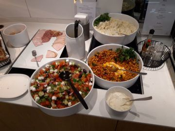 Lufthansa Senator Lounge London Heathrow Salate