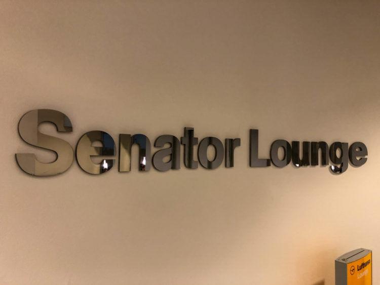 Lufthansa Senator Lounge Muenchen G28 03