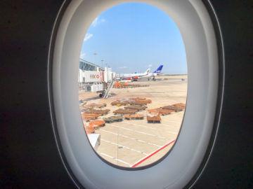 SAS A340 nebenan am Gate
