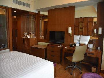 Shangri-La Chiang Mai Deluxe Room Tv