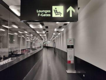Sky Lounge Wien Schengen Hinweg Schmaler Gang