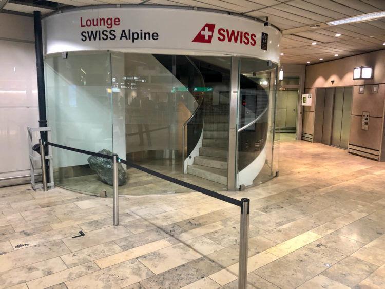 Swiss Alpine Lougne Zurich Eingang