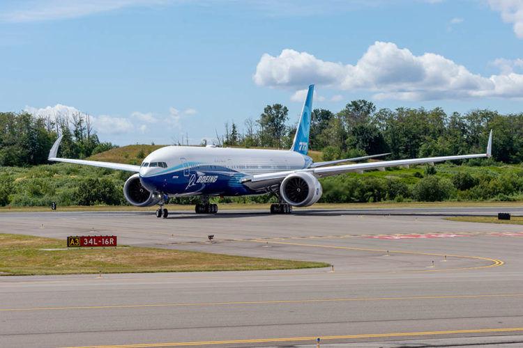 Boeing 777 9 Rollfeld Rolltest Copyright