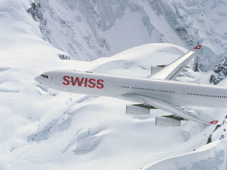 Swiss A340 Fliegend Alpen Copyright