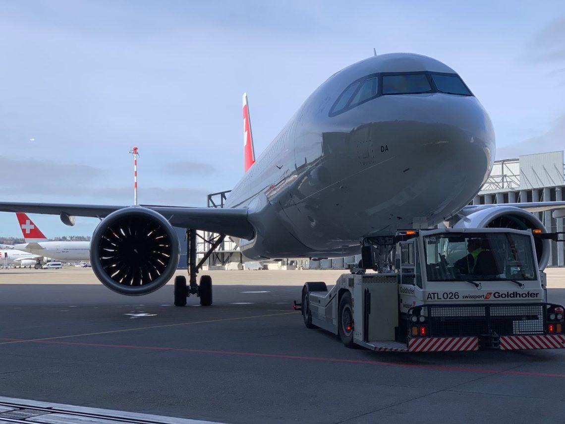 Swiss Airbus A320neo Schlepper