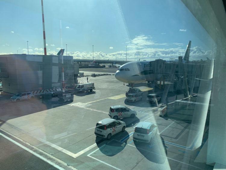 Alitalia A330 200 Gate