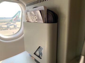 Alitalia Business Class A330 200 Staufach 3