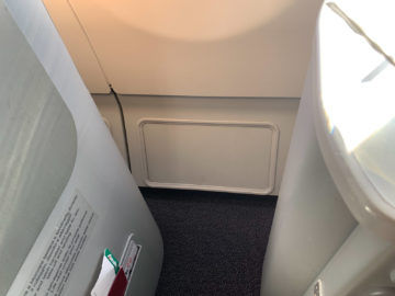 Alitalia Business Class A330 200 Stauraum 1