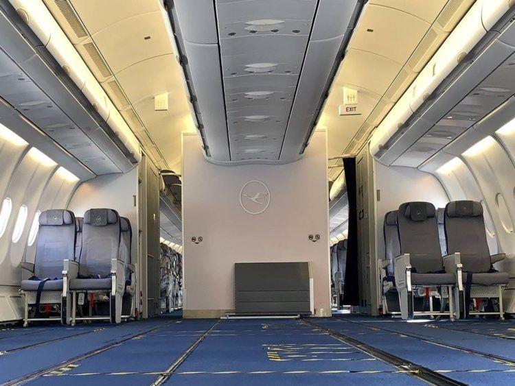 Lufthansa A330 Umbau Fracht Leer Titel Copyright