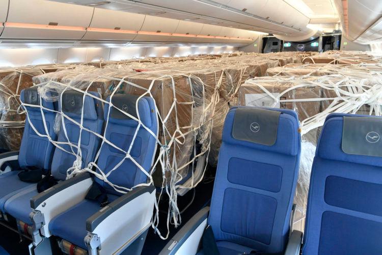 Lufthansa Airbus A350 Schutzausruestung Corona