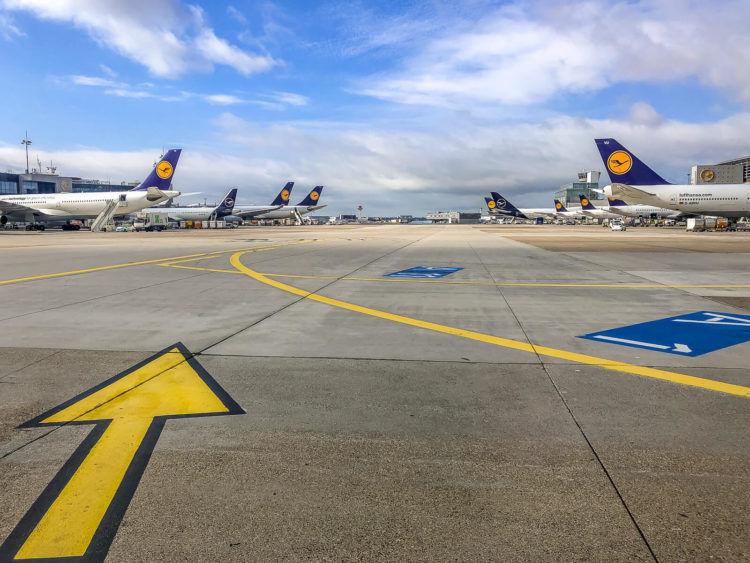 Lufthansa Flugzeuge Flughafen Frankfurt