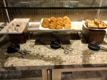 United Polaris Lounge Chicago Cookies